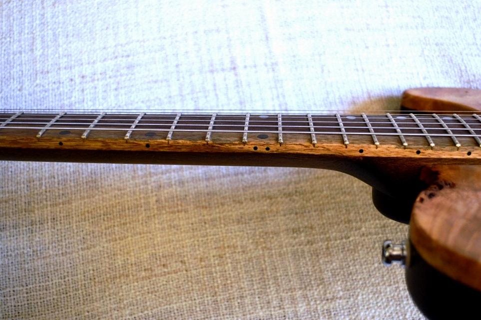Liuteria-Ross-Groviera-tastiera