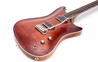 ross-liuteria-chitarra-artigianale-milano-mogano-acero-carved-tremolo-humbucker-alnico-2-noce-vintage-offerta